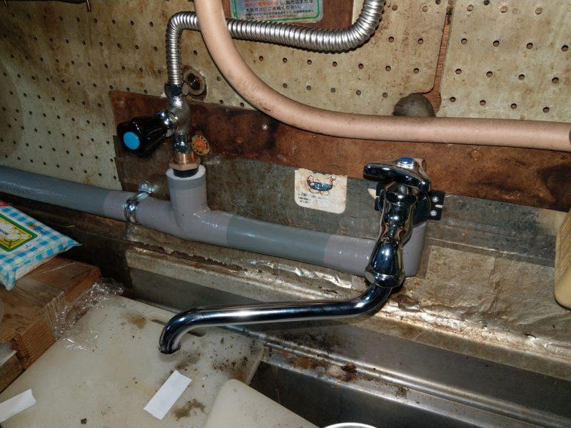 大阪市平野区水漏れ修理 台所給水菅切り替え工事