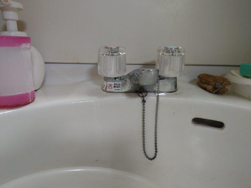 大阪市淀川区水漏れ修理 洗面化粧台2ハンドル蛇口水漏れ修理とアングル止水栓スピンドル交換