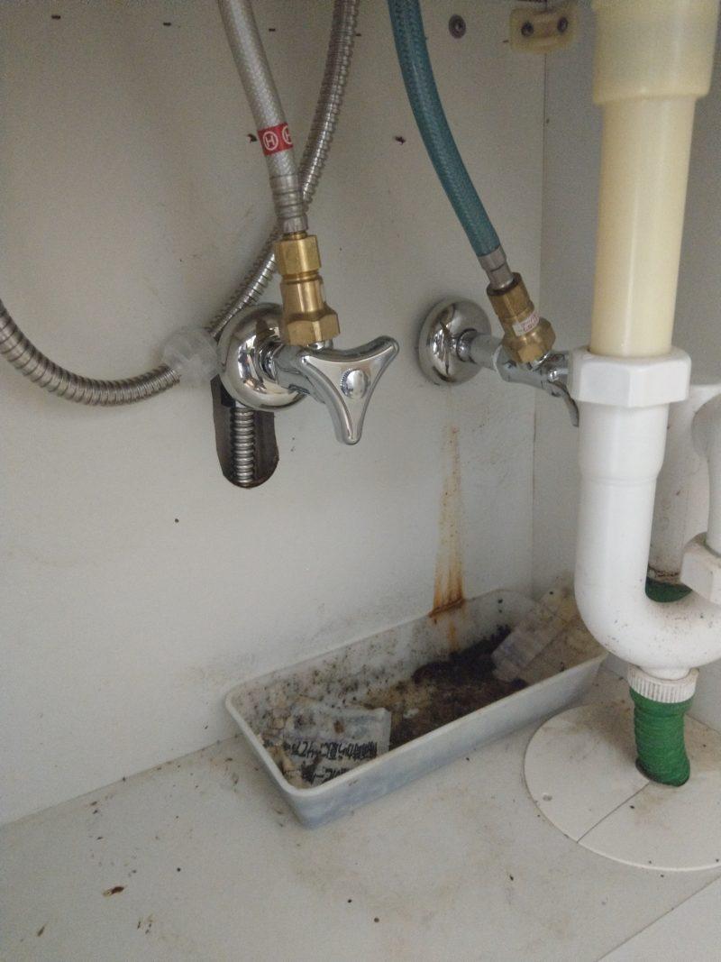 兵庫県川西市水漏れ修理 洗面アングル止水栓