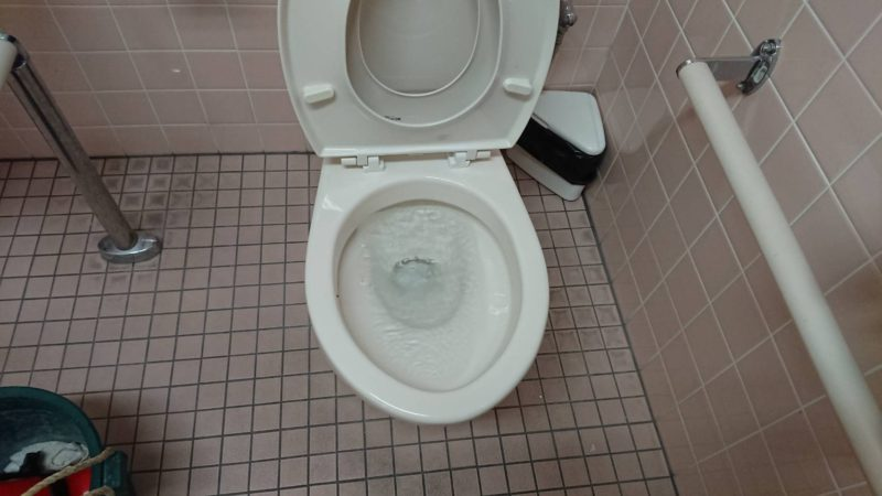 大阪府堺市西区でのトイレ詰まりの依頼