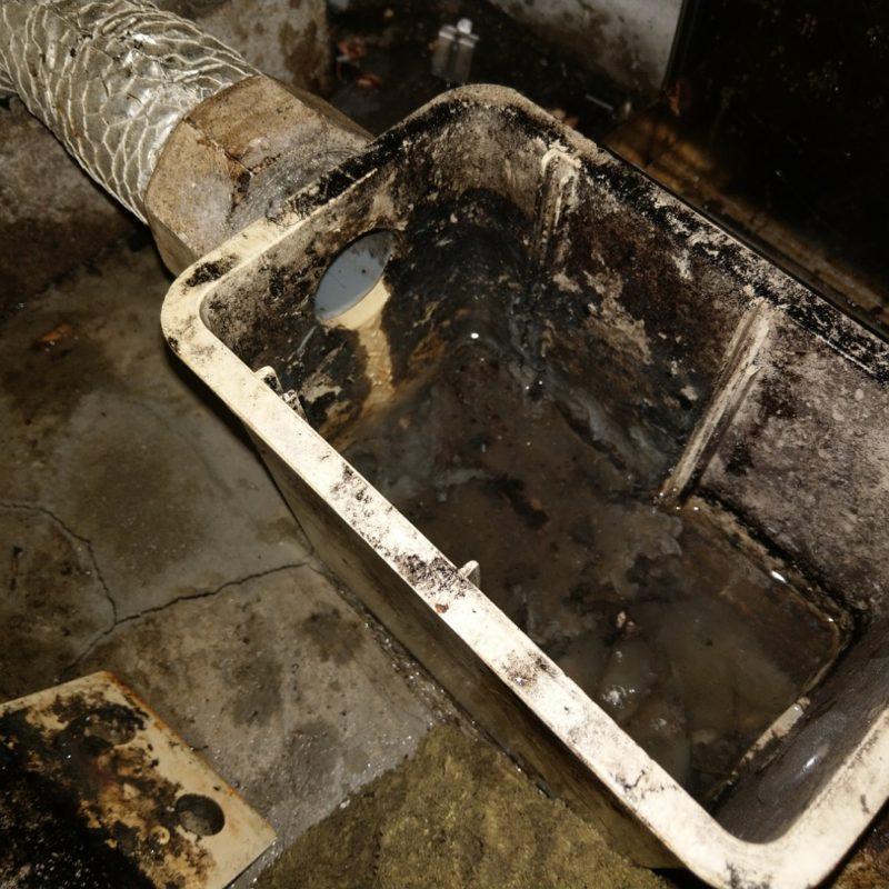 【漏水調査】飲食店床に水があふれる依頼(大阪府大阪市北区)