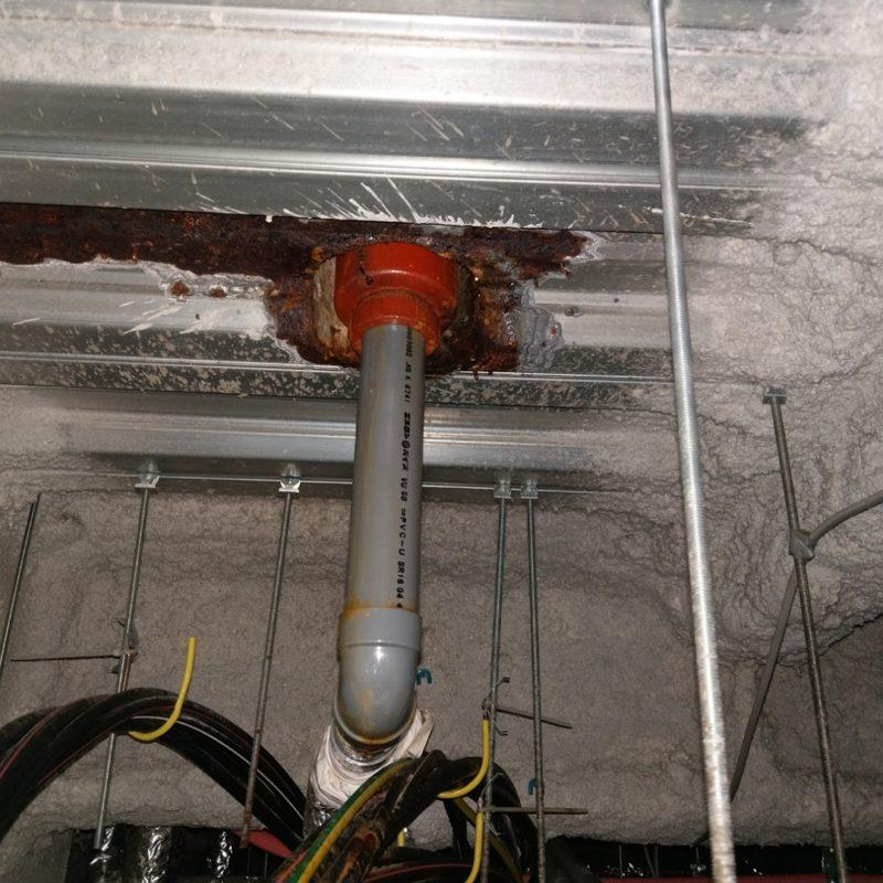 大阪府大阪市都島区の飲食店様の駐車場天井から水漏れ