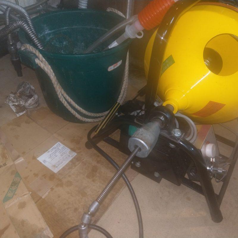 排水管が詰まってあふれてきて床がびちゃびちゃになる依頼(大阪府大阪市中央区飲食店)